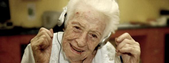 Afbeeldingsresultaat voor ouderen muziek