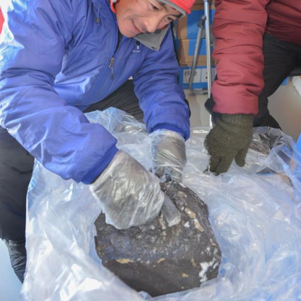 De achttien kilo zware meteoriet. Foto: