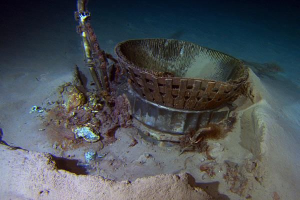 Op de bodem van de zee. Foto: Bezos Expeditions.