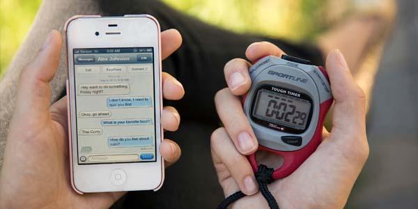 Tellen met een stopwatch om te kijken of iemand liegt of niet