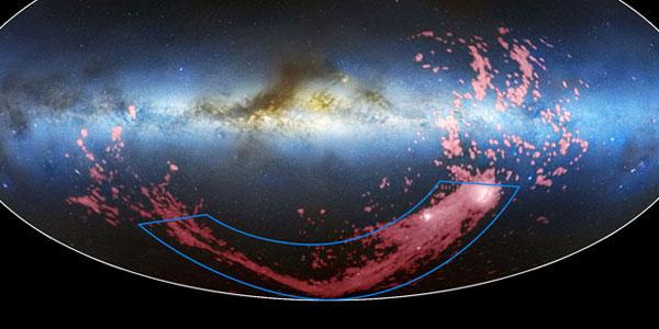 De Magelhaense Stroom. Afbeelding: David L. Nidever, et al. / NRAO / AUI / NSF & Mellinger / LAB Survey / Parkes Observatory / Westerbork Observatory / Arecibo Observatory.