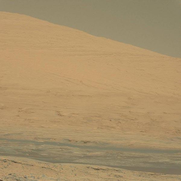 Een stukje van Mount Sharp. Afbeelding: NASA.