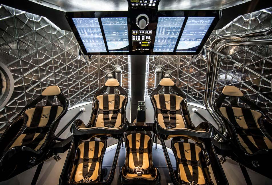 Een kijkje in Dragon V2. Afbeelding: SpaceX.
