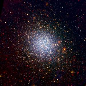 Omega Centauri is één van de bekendste bolvormige sterrenhopen in onze Melkweg. Bekijk de mooiste foto's van Omega Centauri.