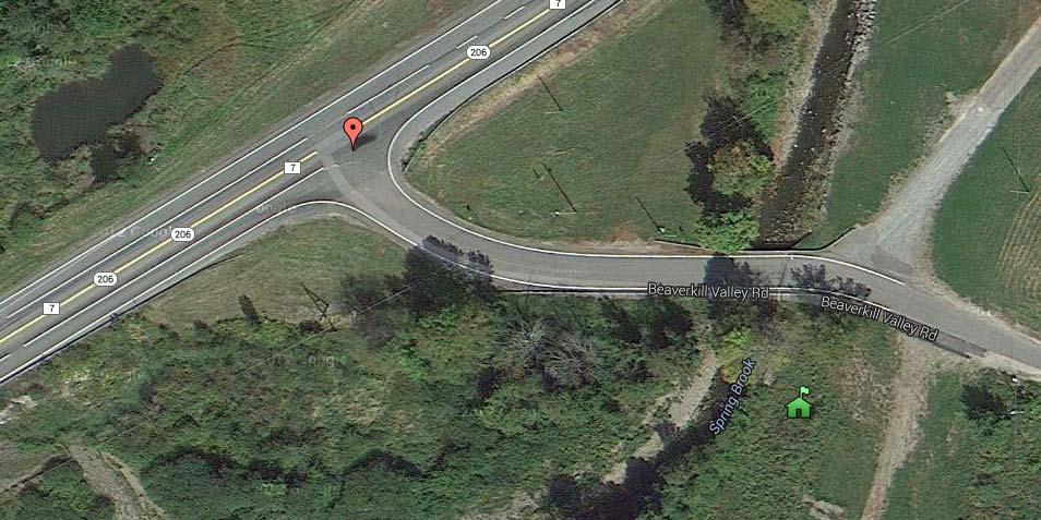 Het rode tekentje laat zien waar Agloe zich volgens de kaartenmakers van de vorige eeuw bevond. Het groene huisje geeft de positie van de Agloe General Store aan. Afbeelding: Google Maps.