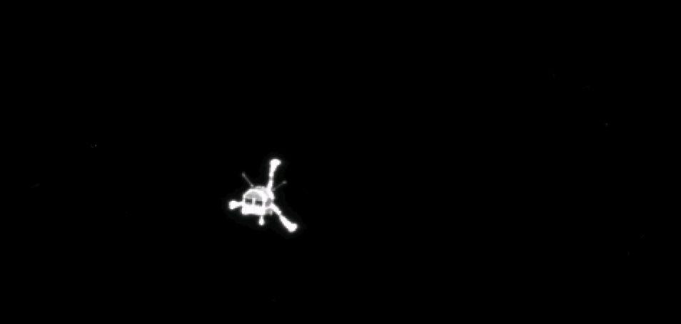 De Philae-lander kort na het vertrek bij Rosetta. Deze afscheidsfoto is vanochtend gemaakt door de Rosetta-ruimtesonde.