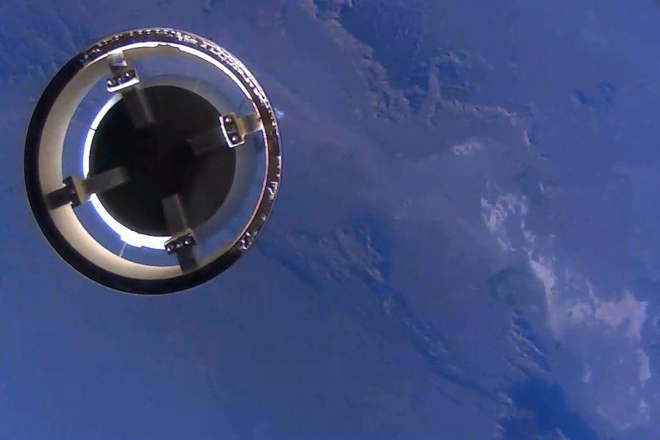 Een mooie foto die op een hoogte van 93 kilometer gemaakt. We zien hier de New Shepard-capsule.