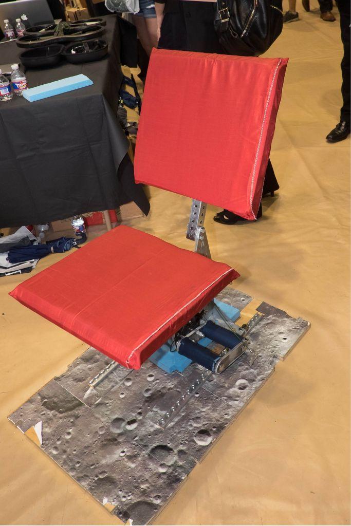 Een stoel voor gebruik op Mars. Afbeelding: Jeff Fitlow / Rice University.