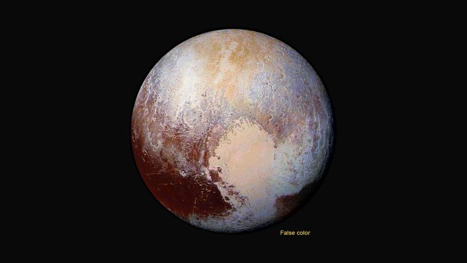 In valse kleuren is de dwergplaneet ook mooi! Afbeelding: NASA / JHUAPL / SwRI.