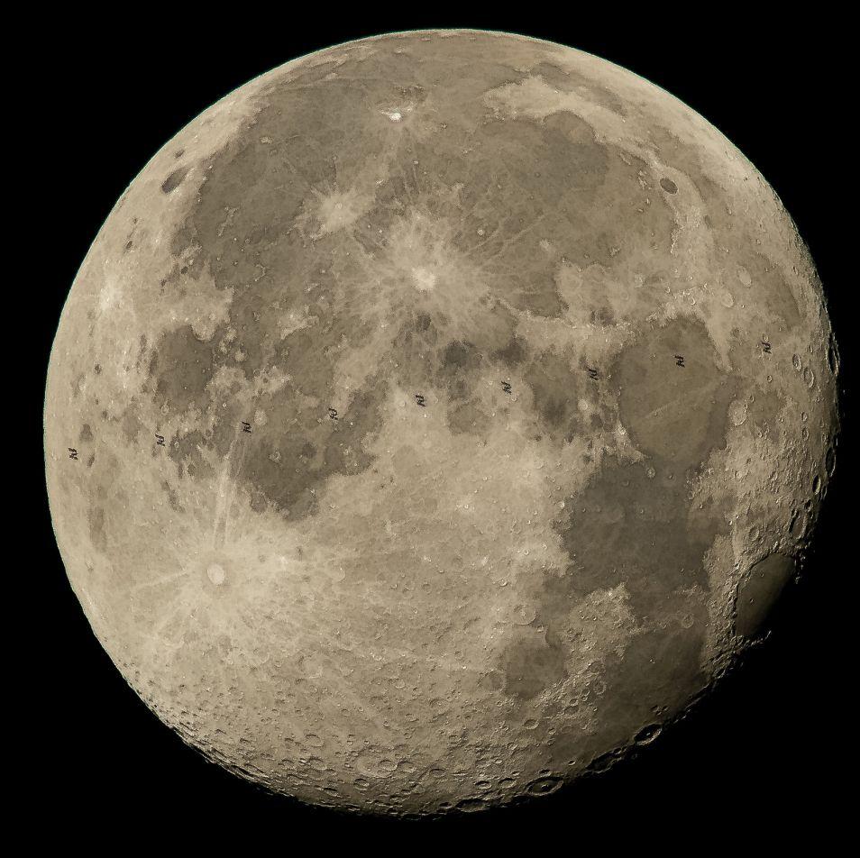 Een combinatie van negen foto's. Afbeelding: NASA / Bill Ingalls.