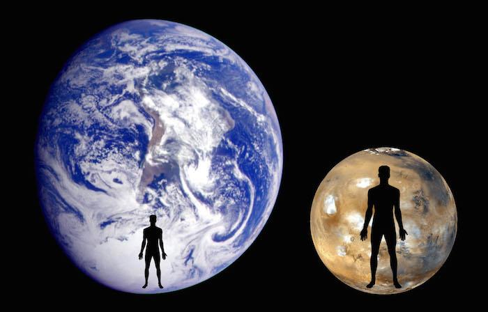 Links de mens, rechts een gemiddelde alien, op basis van de berekeningen van Simpson.