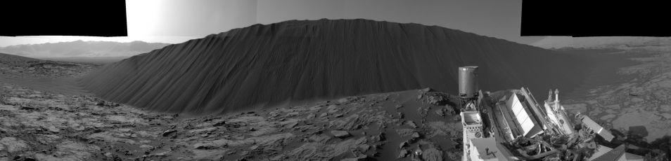 Namib-duin. Klik voor een vergroting. Afbeelding: NASA / JPL-Caltech.