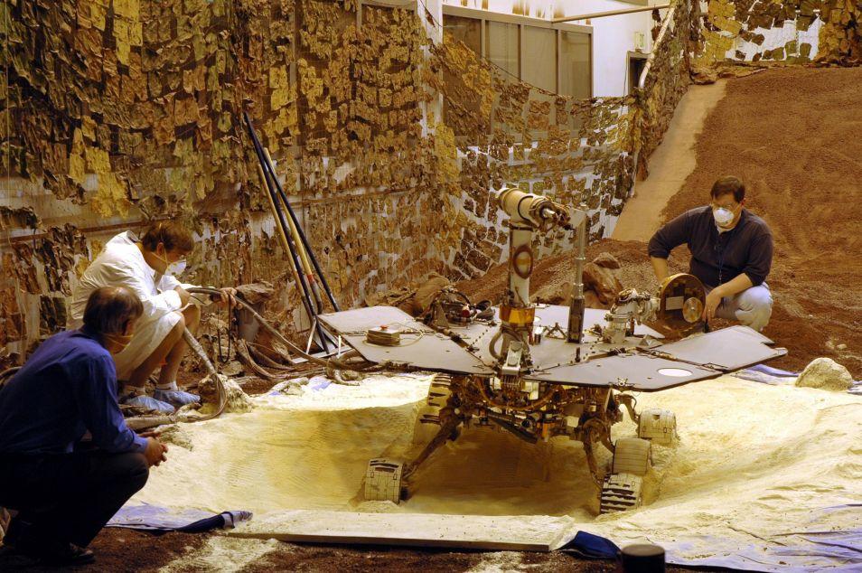 De Marsrover is voorafgaand aan zijn reis naar Mars natuurijk uitgebreid getest. Afbeelding: NASA / JPL.