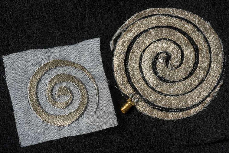 Het zilverdraad in spiraalvorm kan in kleren worden geweven ter verbetering van je mobiele ontvangst. Credits: Jo McCulty