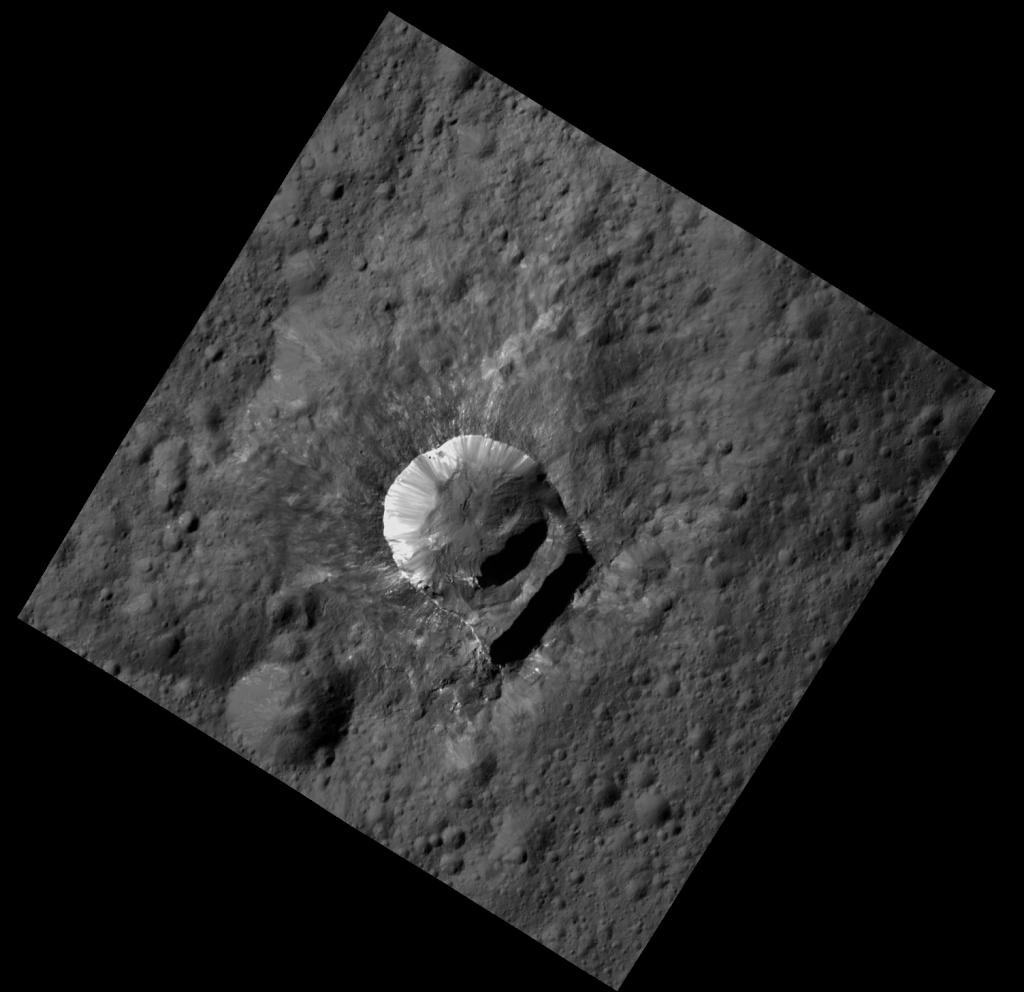 Oxo-krater. Afbeelding: NASA / JPL-Caltech / UCLA / MPS / DLR / IDA / PSI.