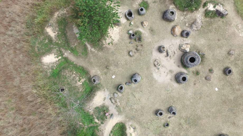 De kruiken liggen op 90 locaties en zijn tussen de 1 en 3 meter hoog. Afbeelding: ANU.