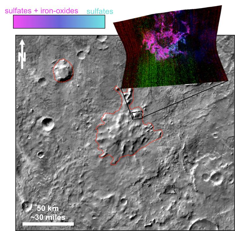 Er zijn op de toppen van de bergen mineralen ontdekt die we op aarde associëren met subglaciale vulkaanuitbarstingen. Afbeelding: NASA / JPL-Caltech / JHUAPL / ASU.