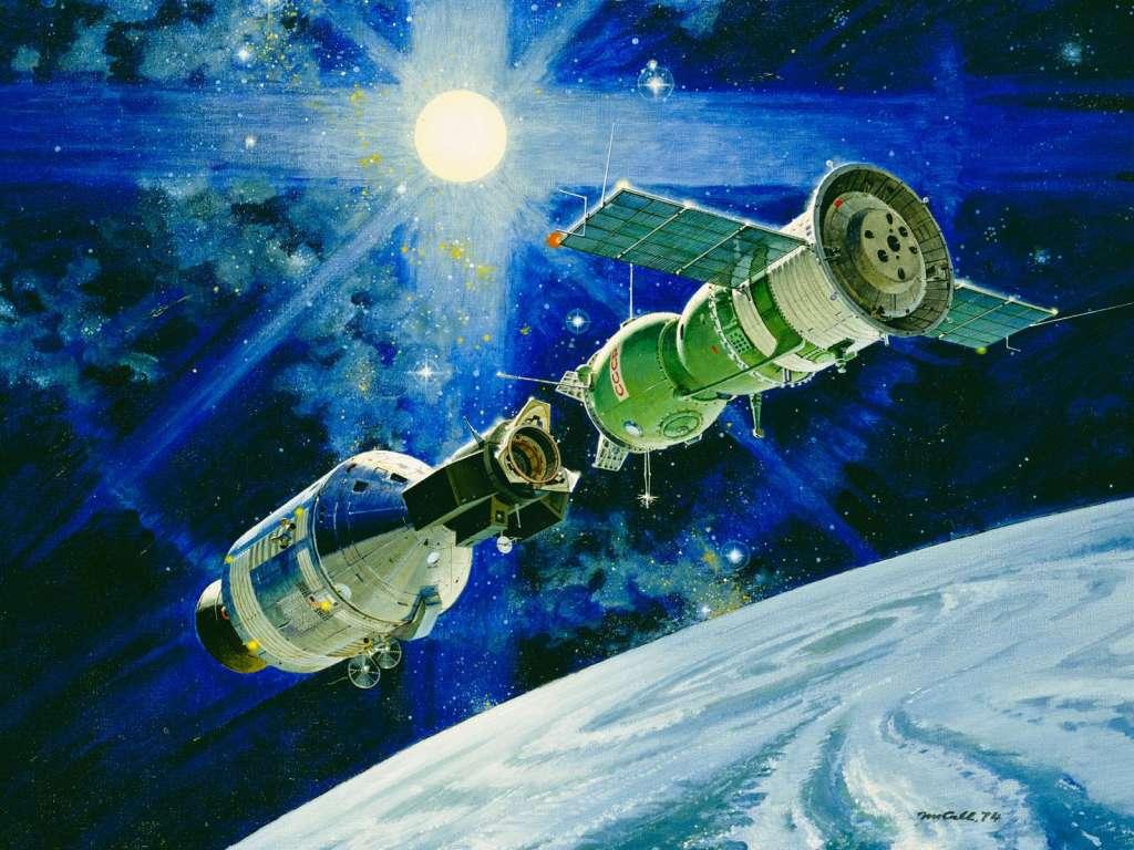 Artistieke impressie van de koppeling van Sojoez en Apollo tijdens de gezamenlijke missie Apollo–Soyuz Test Project (ASTP). Afbeelding: NASA