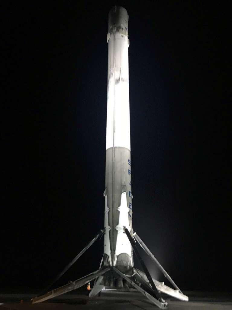 De eerste trap van Falcon 9 op het landingsplatform. Afbeelding: SpaceX.