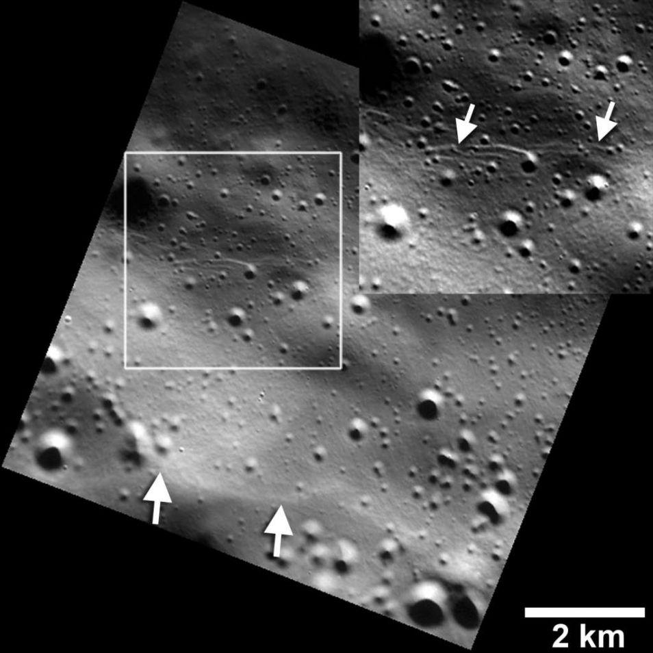 Piepkleine jonge breuklijnen op Mercurius.