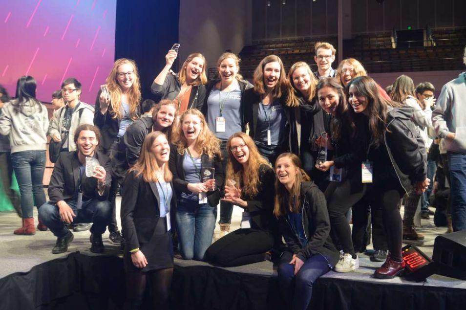 Blije gezichten en terecht. Naast de gouden medaille wonnen de studenten drie andere prijzen: beste nieuwe applicatie, beste model en het meest innovatieve DNA fragment.