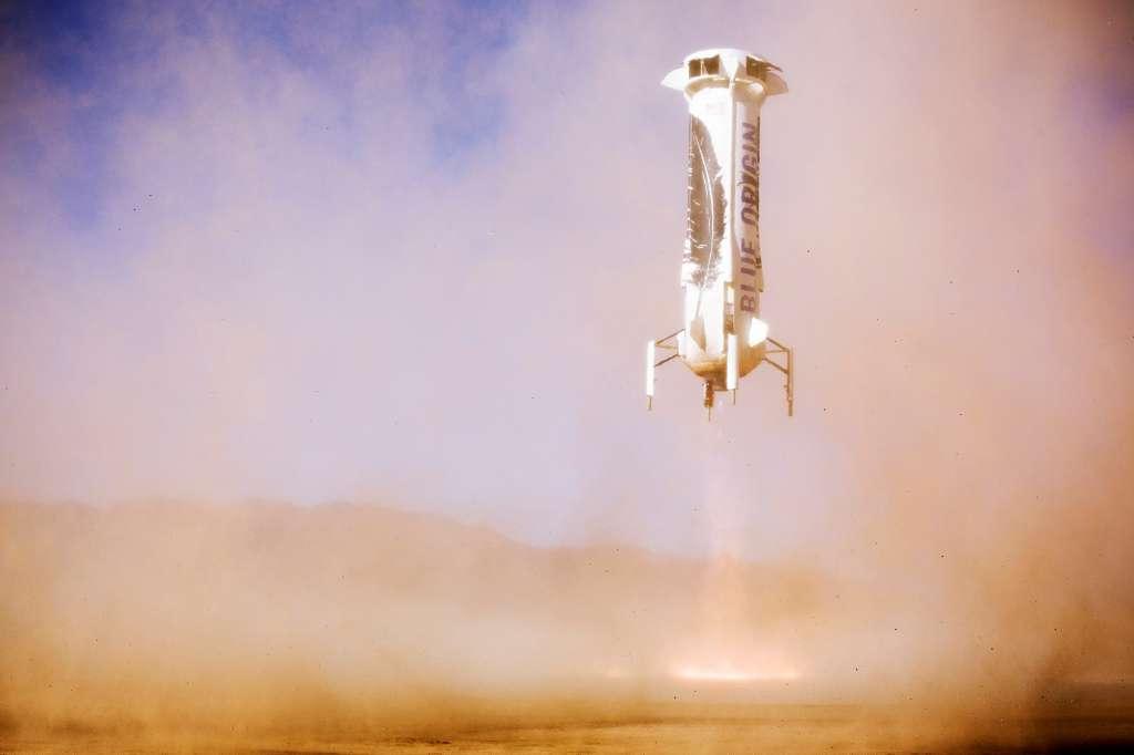 De raket van Blue Origin landt keurig op aarde. Afbeelding: Blue Origin.
