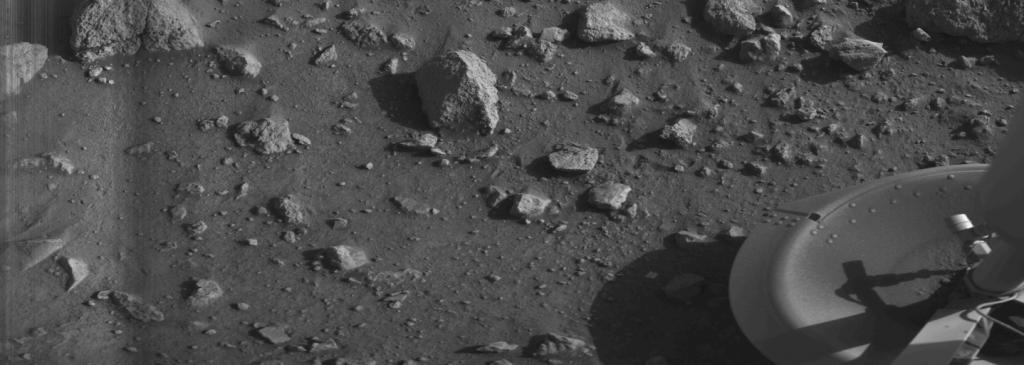 De allereerste foto die Viking 1 vanaf het oppervlak van Mars maakte. In juli was het precies 40 jaar geleden dat deze foto werd gemaakt. Afbeelding: NASA / JPL.