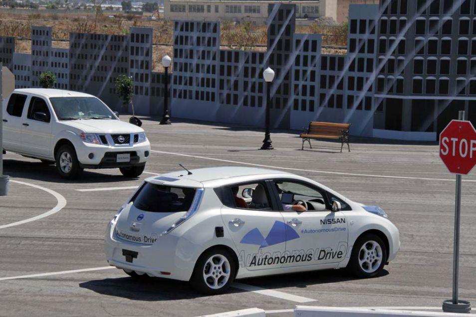 Veel fabrikanten werken aan zelfrijdende auto's (mét stuur).
