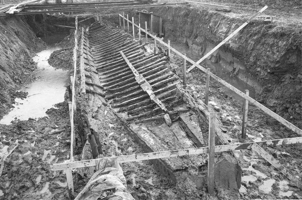 De opgraving van het Romeinse vrachtschip Zwammerdam 2 in 1973. Foto: ACASA.