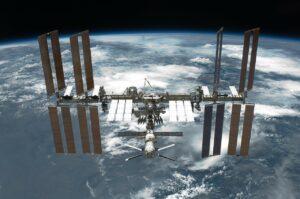 Primeur: astronauten maken cement in de ruimte