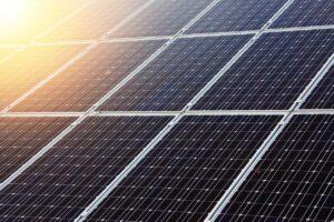 Wetenschappers halen de zonnepanelen naar binnen