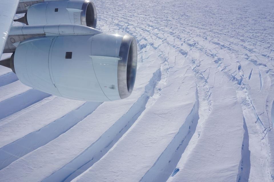 grote-scheuren-in-antarctische-gletsjers-baren-onderzoekers-zorgen